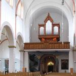 Empore mit der restaurierten Klais-Orgel.