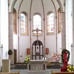 Chorraum der Waldbreitbacher Kirche.