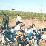 【青年会のピクニック】