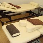 電動可動式治療ベッド