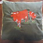Evolener Kuh mit Kalb, gefüllt mit Watte
