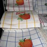 Halbleinenküchentuch mit Äpfeln