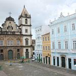 La place Largo do Cruzeiro de Sao Francisco, avec l''Eglise du même nom au fond. La photo est prise du balcon de notre chambre.