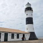 Salvador de Bahia. Le phare de Barra. Le plus ancien de l'Amerique des colons portugais. Il abrite aussi un musée nautique (avec de très belles cartes)