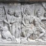 Toutes les sculptures retracent la vie de Ramayana