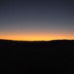 Il est 05h58. Nous sommes au sommet de la Dune 45. Le soleil va bientôt se lever