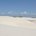Le sable est d'un blanc aveuglant