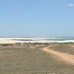 Depuis le haut de la colline, Jeri est entourée de dunes