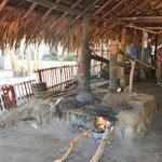 Distillerie traditionnelle d'Arak, boisson traditionnelle Indonésienne