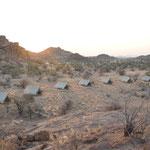 Notre campement sur la route de Twilfontein. Nous étions seuls encore une fois