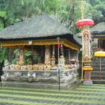 Ici le temple de Pura Gunung