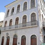 Façade de maison bourgeoise (sobradoes) couverte d'azuleros