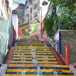 L'escalier Selaron, entièrement couvert de Céramique