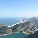 La vue de la plage de Copacabana, vue du Pain de Sucre.