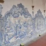 L'intérieur du Cloitre est décoré d'Azuleros.