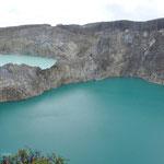 La couleur de chacun des lacs varie dans le temps, notamment en fonction de la composition chimique des eaux.