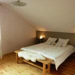 Grande chambre avec lit double 160x200cm (2 matelas 80x200cm)
