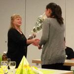Céline Corpataux wird für ihre SM-Quali ausgezeichnet