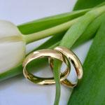 Schlichte Eheringe aus 750er Gelbgold
