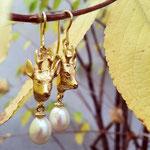 Rehbock Ohrhänger goldplattiert mit Perle