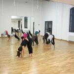 I laboratori di danza moderna e acromovement... tanto impegno ma anche tanto divertimento!