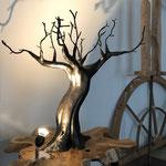 arbre: terre cuite et métal H 90cm larg 75 cm