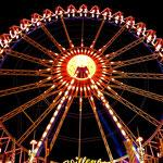 Das Riesenrad: zur Nachtzeit mit seinem Lichterspiel eine besondere Attraktion!