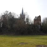Remparts - église Saint-Martin - Tour de Gavre (Photo Emilie Nisolle)
