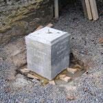 Sculpture du Père Damien - Mise en place du socle - Photo de Emilie Nisolle
