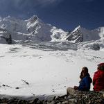 le glacier de Pakora, vu depuis le col, à 4700 mètres d'altitude