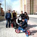Konya: Miguel, Rachel et Ayberk qui ferait bien quelques kilomètres avec nous