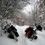 De Svogue à Jhelen, 4 heures à pousser les vélos dans la neige...