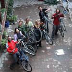 reunion de cyclos a l'auberge de Kashgar