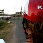 viree en scooter vers Bylakuppe!