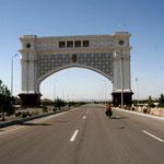 Arrivee dans la megalomane Ashgabat
