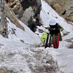 Marion pousse dans la neige - copyright Michaël Martel