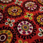 motif de Suzani, tissu traditionnel ouzbèk