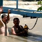 baignade dans les canaux d'irrigation
