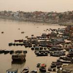 la vue sur le Gange depuis Mir Ghât