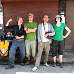L'équipe de choc... en route pour le désert!