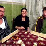 Avec Ilkay et Dilek on apprend à jouer au Okey, un des jeux les plus répandus en Turquie