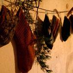 Les chaussettes se remplissent doucement de cadeaux...