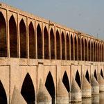 le pont aux 36 arches