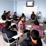 mini-conférence au cours d'anglais des grands...