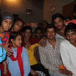 dans une famille punjabi, on devient l'attraction du village