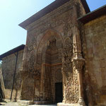 Eingangsportal der Moschee in Divriği