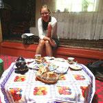 Z'mitta im traditionellen Pamir Haus