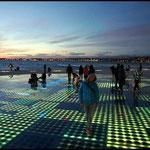 Zadar: Gruss an die Sonne