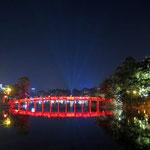 Brücke über den Hoan Kiem See in Hanoi