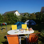 Ein letztes Mal stellen wir unser Zelt auf, danke Simon & Leandra für die Gastfreundschaft und herzliche Bewirtung!!!